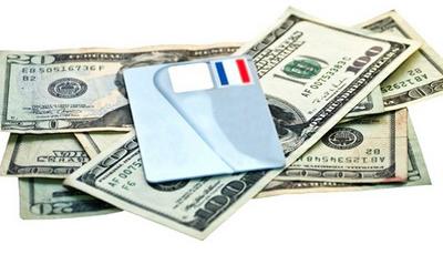 деньги и кредитная карта